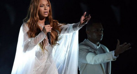 beyonce-knowles-powerful-grammys-performance-of-take-my-hand-precious-lord