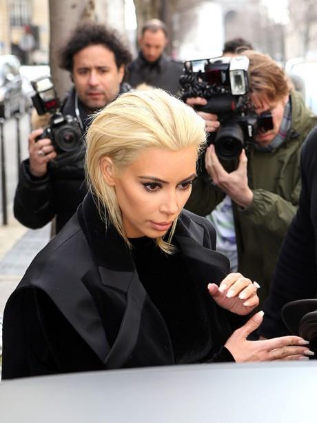 Kim Karsdhian sexy images