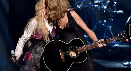 Madonna Taylor Swift iHeartradio Music Awards 2015 04