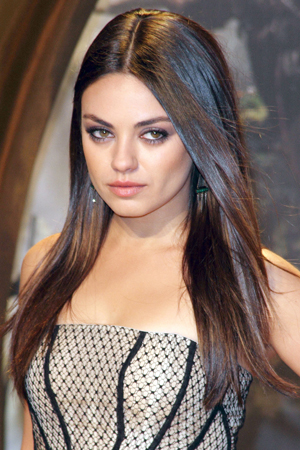 Mila Kunis Hote look