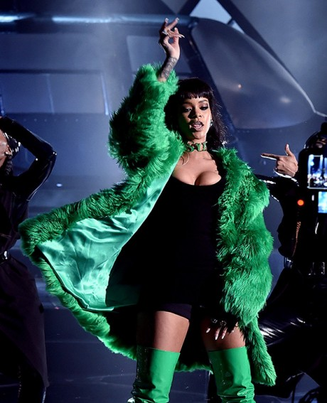 Rihanna iheartradio Music Awards 2015 Picture 01