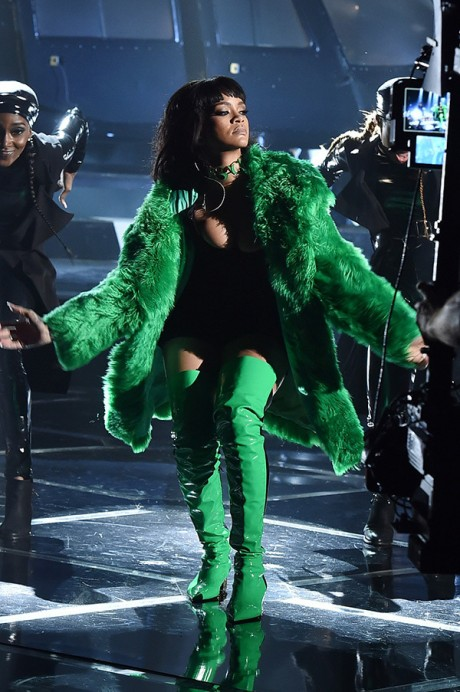 Rihanna iheartradio Music Awards 2015 Picture 02
