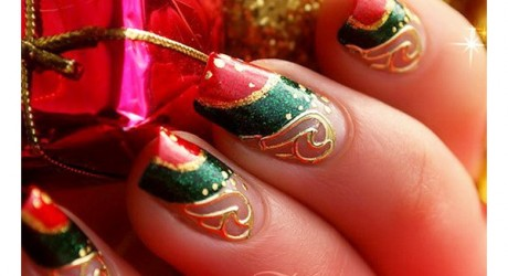 15-thefashionspot-logo-tacky-holiday-nail-art