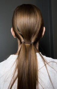 thumbs_08-delpozo-fall-2017-low-ponytail-double-elastic