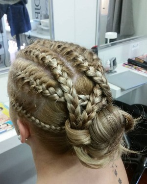 roller-coaster-braided-bun