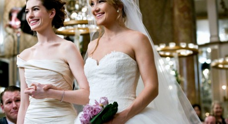 ANNE HATHAWAY & KATE HUDSON BRIDE WARS (2009)