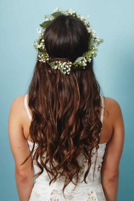 Amazing ways to wear Wedding hair Flowers